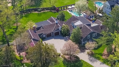 Single Family Home For Sale: 2 E Beechcroft Rd