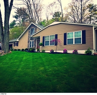 Passaic County Single Family Home For Sale: 29 Bergen Dr