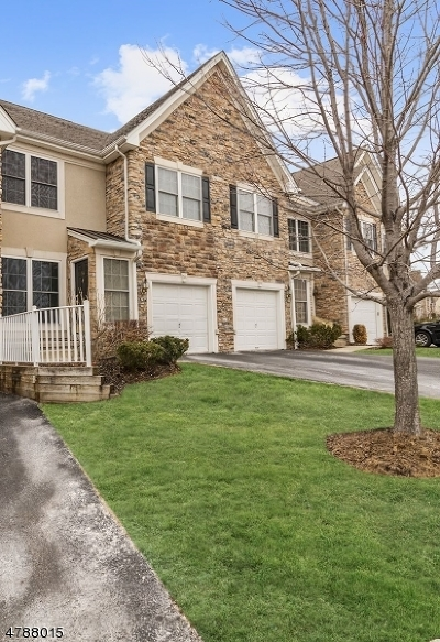 Passaic County Condo/Townhouse For Sale: 54 Spruce Ln