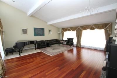 Hawthorne Boro Single Family Home For Sale: 48 Emeline Dr
