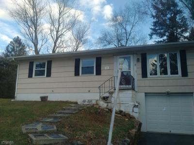 Glen Gardner Boro, Hampton Boro, Lebanon Twp. Single Family Home For Sale: 2 Sunset Place