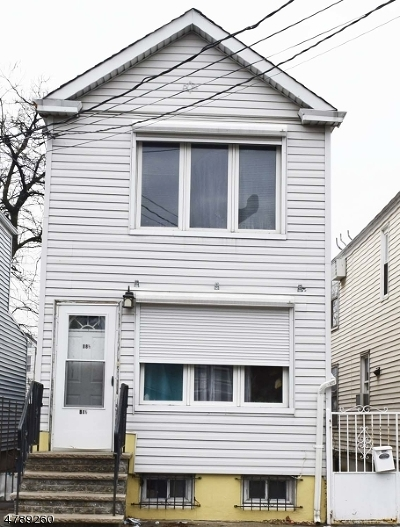 Ironbound Single Family Home For Sale: 88 1/2 Komorn St