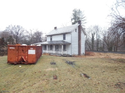 Holland Twp. Single Family Home For Sale: 697 Riegelsville Rd