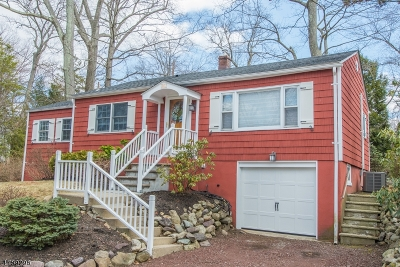 Denville Twp. Single Family Home For Sale: 16 Ridgewood Pkwy W