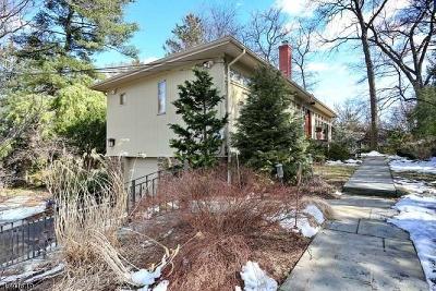 Glen Rock Boro Single Family Home For Sale: 32 Oak Knoll Rd