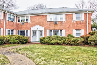 Wayne Twp. Condo/Townhouse For Sale: 73 Manchester Ct