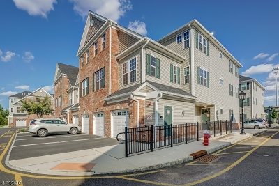 Union Twp. Condo/Townhouse For Sale: 21 Station Sq
