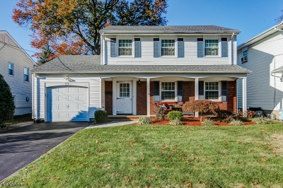 Union Twp. Single Family Home For Sale: 570 Golf Ter