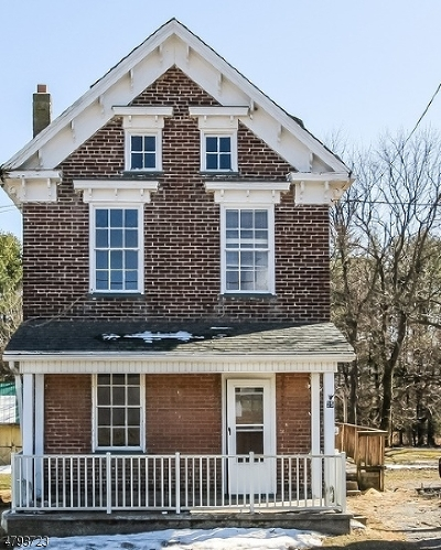 Warren County Single Family Home For Sale: 25 Bloomsbury Rd