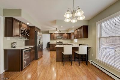 Glen Gardner Boro, Hampton Boro Single Family Home For Sale: 21 Valley Rd