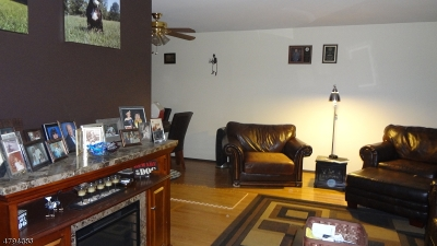 Raritan Twp. Condo/Townhouse For Sale: 807 Yorkshire Dr