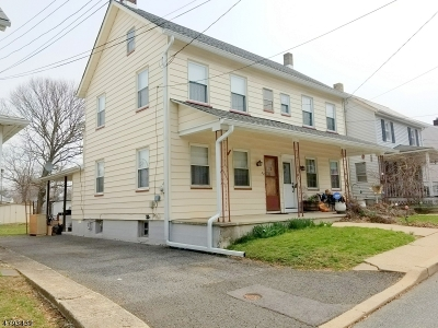 Bloomsbury Boro Single Family Home For Sale: 32 West Street