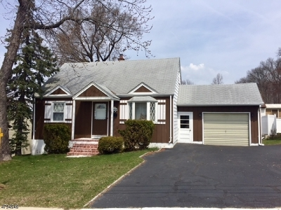 Passaic County Single Family Home For Sale: 67 Pitts Ave
