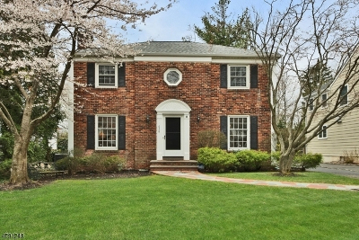 Westfield Town Single Family Home For Sale: 638 Scotch Plains Ave
