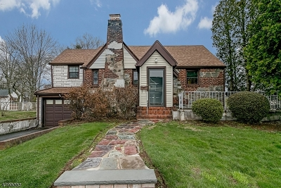 Cranford Twp. Single Family Home For Sale: 713 Lincoln Ave E