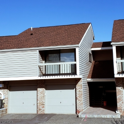 Union Twp. Condo/Townhouse For Sale: 69 Overlook Dr