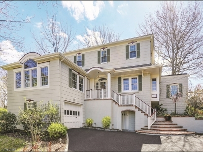 Chatham Boro Single Family Home For Sale: 23 Inwood Cir