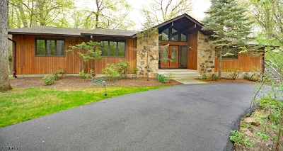 Warren Twp. Single Family Home For Sale: 8 Crest Ln