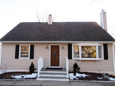 Oakland Boro Single Family Home For Sale: 533 Ramapo Valley Rd