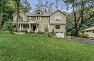 Livingston Single Family Home Active Under Contract: 42 Intervale Rd