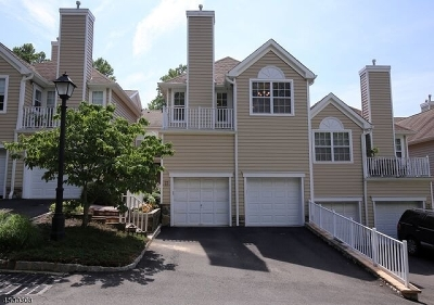 Berkeley Heights Condo/Townhouse For Sale: 42 Springholm Dr