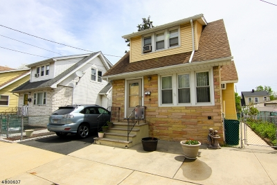 Belleville Twp. Single Family Home For Sale: 218 Ralph St