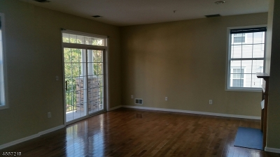 Clifton City Condo/Townhouse For Sale: 90 George Russell Way #90