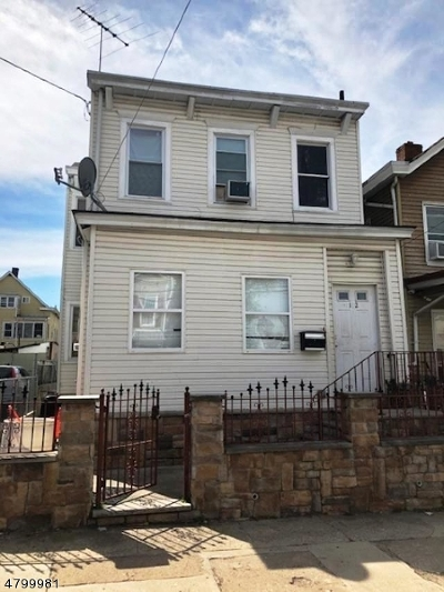 Paterson City Single Family Home For Sale: 102 E 17th St