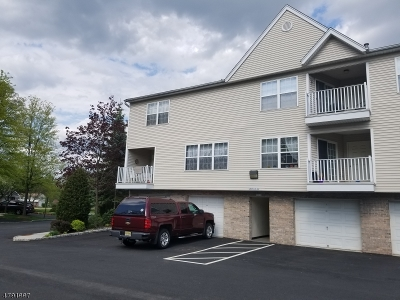 Wayne Twp. Condo/Townhouse For Sale: 41 Parkside Ct