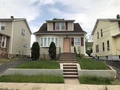 Paterson City Single Family Home For Sale: 695-697 E 31st St