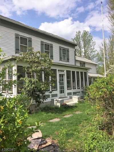Lebanon Twp. Single Family Home For Sale: 433 W Hill Rd