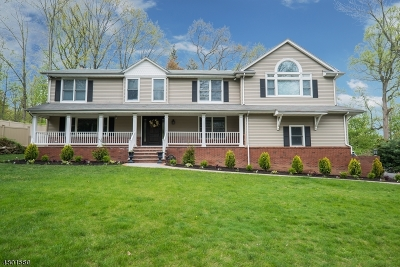 Wyckoff Twp. Single Family Home For Sale: 518 Waverly Rd