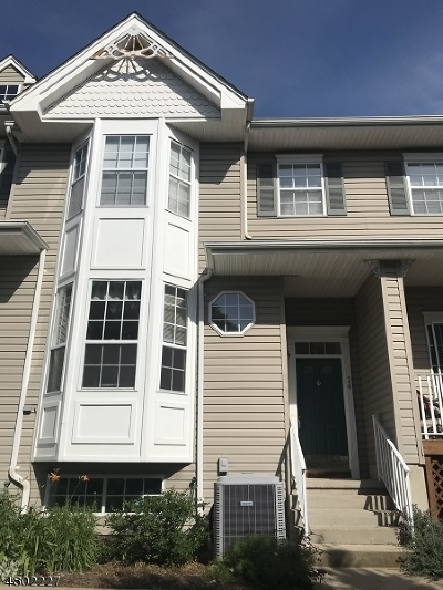 Raritan Twp. Condo/Townhouse For Sale: 24 Clearbrook Ln