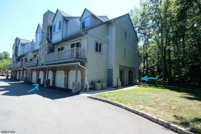 Roxbury Twp. Condo/Townhouse For Sale: 84 Woods Edge Dr