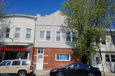 Belleville Twp. Multi Family Home For Sale: 182 Franklin St
