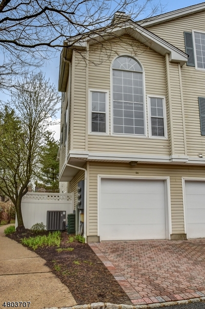 Morristown Town, Morris Twp. Condo/Townhouse For Sale: 34 Witherspoon Ct