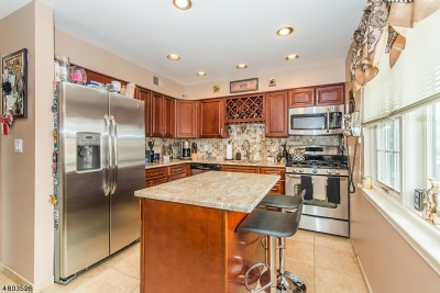 Clifton City Condo/Townhouse For Sale: 575 Grove St #2