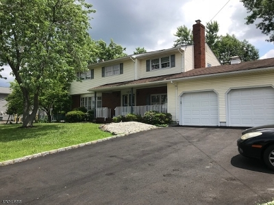 Piscataway Twp. NJ Single Family Home For Sale: $445,000