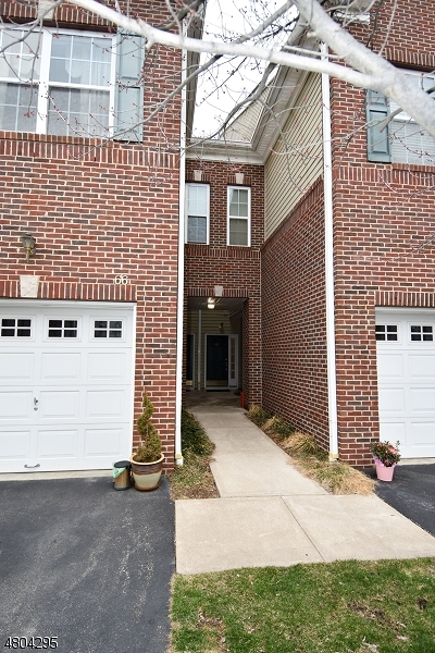 Morristown Town, Morris Twp. Condo/Townhouse For Sale: 68 Taft Ln