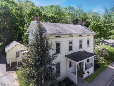 Holland Twp., Milford Boro Single Family Home For Sale: 89 Water St