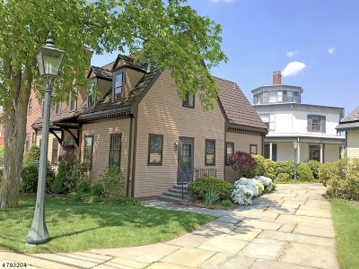 New Providence Condo/Townhouse Active Under Contract: 40 Murray Hill Sq #40