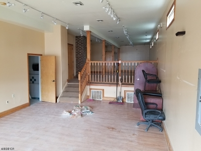 Commercial Lease For Lease: 953 Bergen St