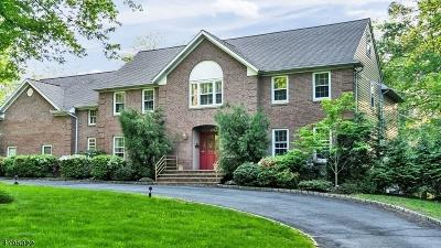 Livingston Single Family Home For Sale: 98 Shrewsbury Dr
