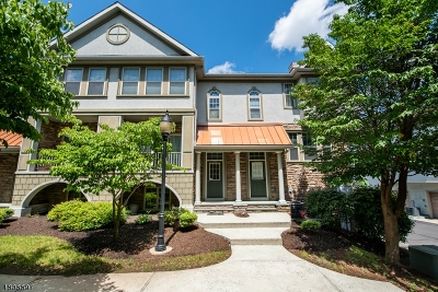 Union Twp. Condo/Townhouse For Sale: 798 Green Ln