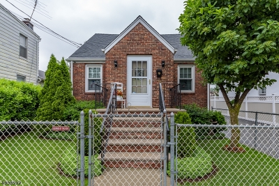 Belleville Twp. Single Family Home For Sale: 65 Watsessing Ave