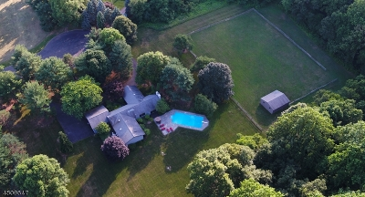Mendham Boro, Mendham Twp. Single Family Home For Sale: 75 Beverly Dr