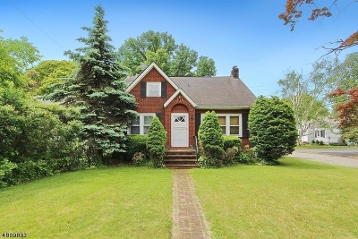 Montville Twp. NJ Single Family Home For Sale: $425,000