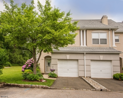Wayne Twp. Condo/Townhouse For Sale: 8212 Brittany Dr