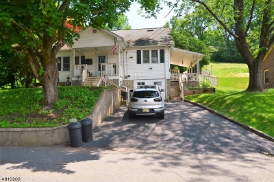 Holland Twp., Milford Boro Single Family Home For Sale: 28 Hillside Ave