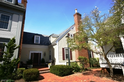 New Providence Condo/Townhouse For Sale